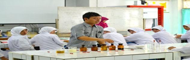 Bahan-bahan untuk PraktikumBahan-bahan di Laboratorium lengkap dan memadai dan diberi penjelasan terlebih dahulu